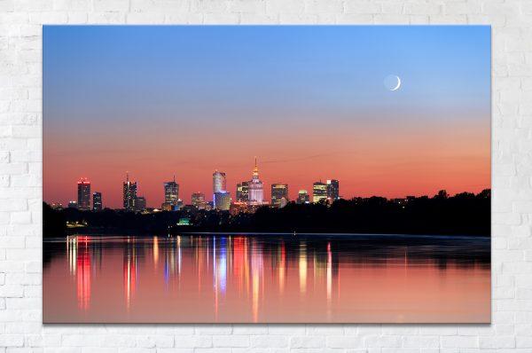 Sierp Księżyca nad wieżowcami w Warszawie fotoobraz zdjęcia
