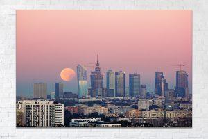 Zachód krwawego księżyca za Złotą 44 fotoobraz